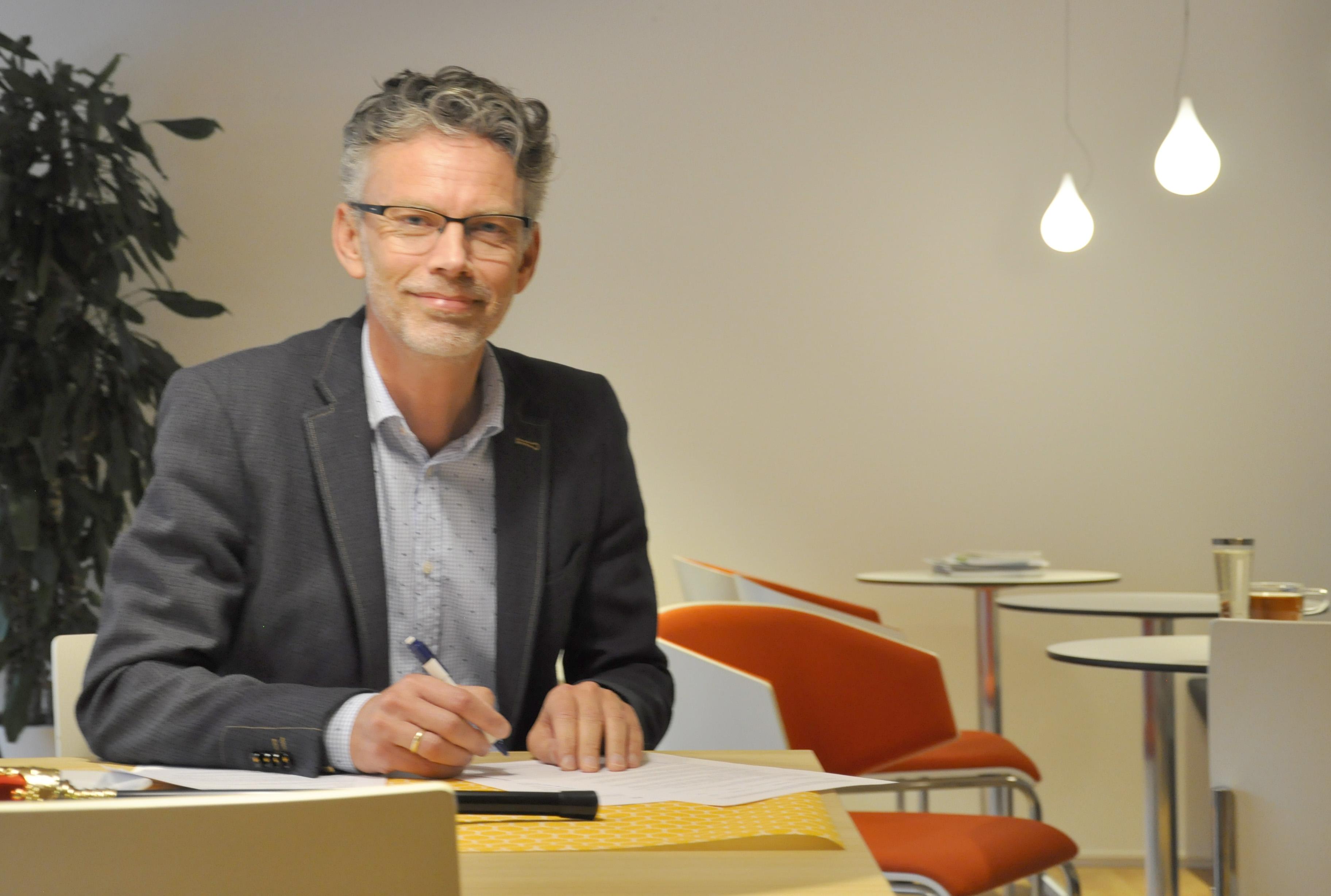 Directeur Sijko Wierenga; een half jaar later